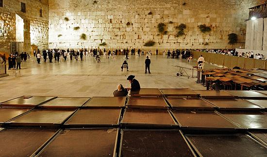 Der zentrale Ort Jerusalems: die Klagemauer in der Altstadt. (© Matthias Hinrichsen)