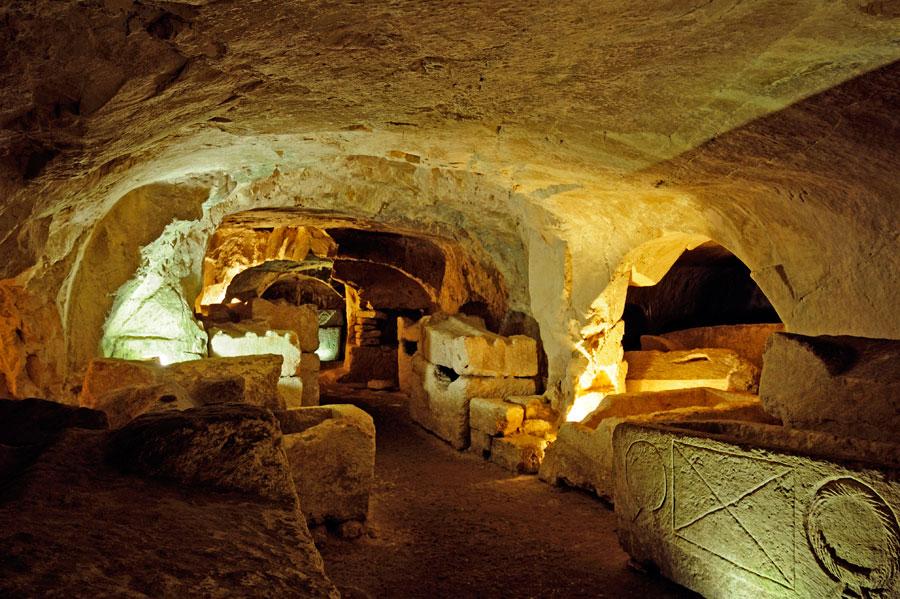 Die unterirdischen Grabkammern von Bet Shearim erstrecken sich über mehrere hundert Meter. (© Matthias Hinrichsen)