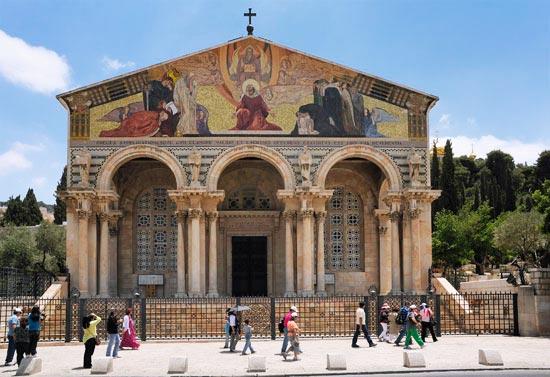 Das Hauptportal der Kirche der Nationen in Jerusalem. (© Matthias Hinrichsen)