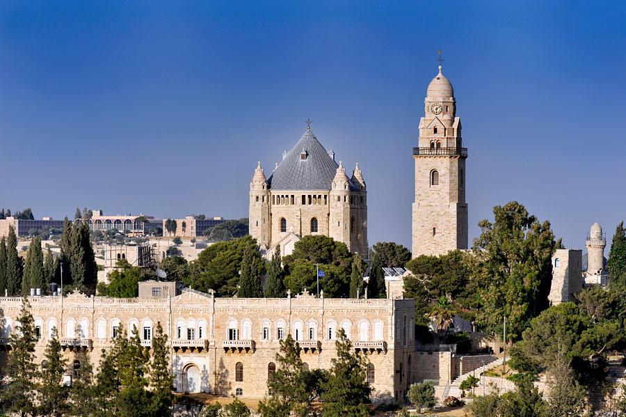 Die Dormitio Abtei ist eins der herausragenden Gebäude in Jerusalem. (© Matthias Hinrichsen)