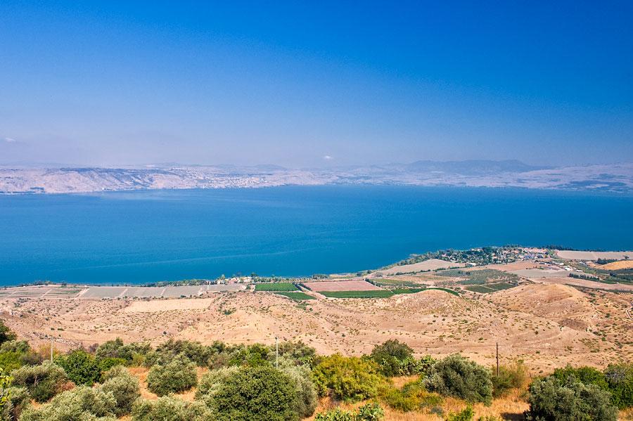 Der See Genezareth aus östlicher Richtung - vom Golan aus, kann man den ganzen See überblicken. (© Matthias Hinrichsen)