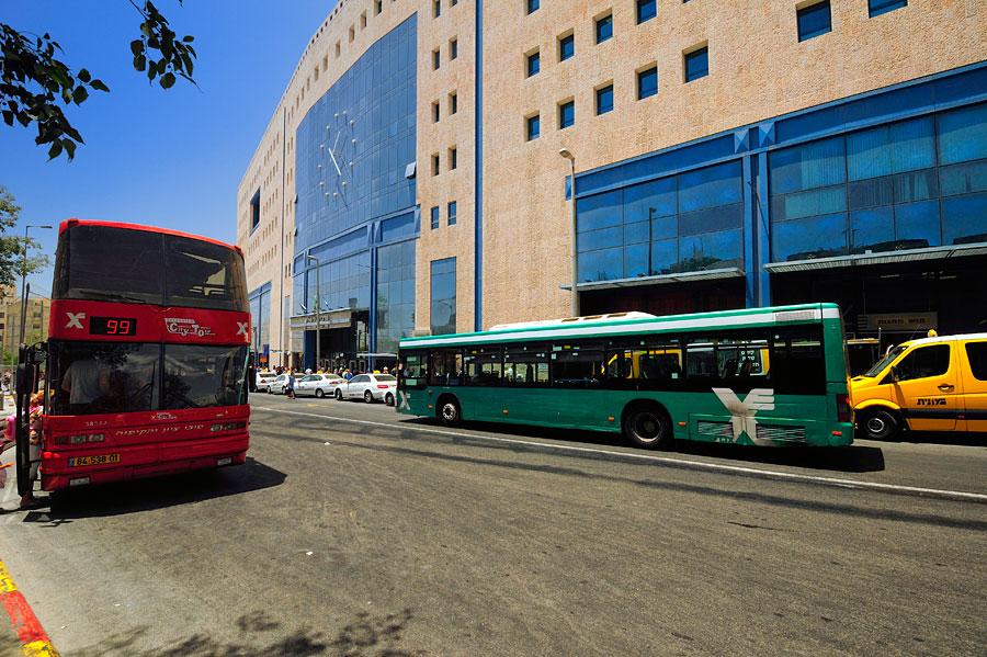 Der Busbahnhof (Central Bus Station) in Jerusalem. (© Matthias Hinrichsen)