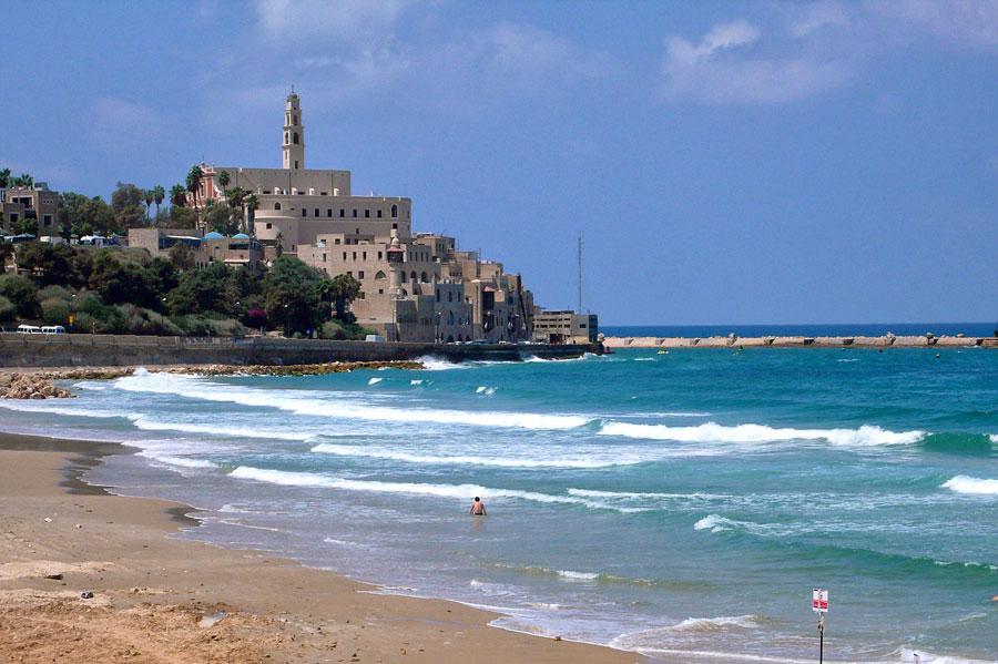 Die Landzunge von Jaffa bot Jahrtausende lang optimale Bedingungen für einen Hafen. (© Matthias Hinrichsen)