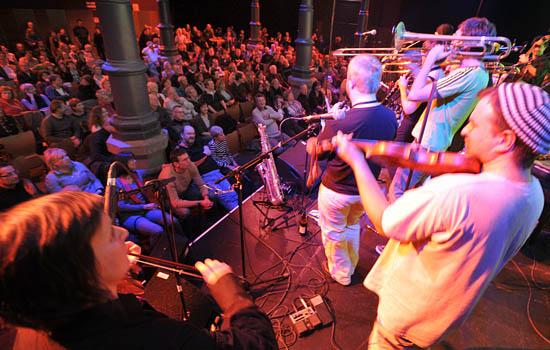 Eine kleine Ausgabe des Internationalen Klezmer Festivals Fürth wird es vom 8. bis 10. März 2013 geben. (© Stadt Fürth)