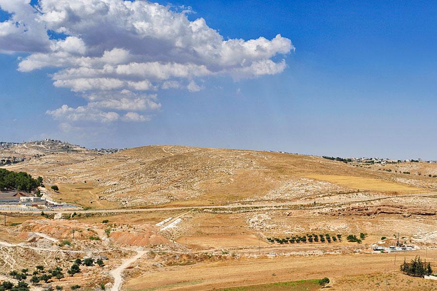 Der Blick von den Hirtenfeldern bei Bethlehem. (© Matthias Hinrichsen)