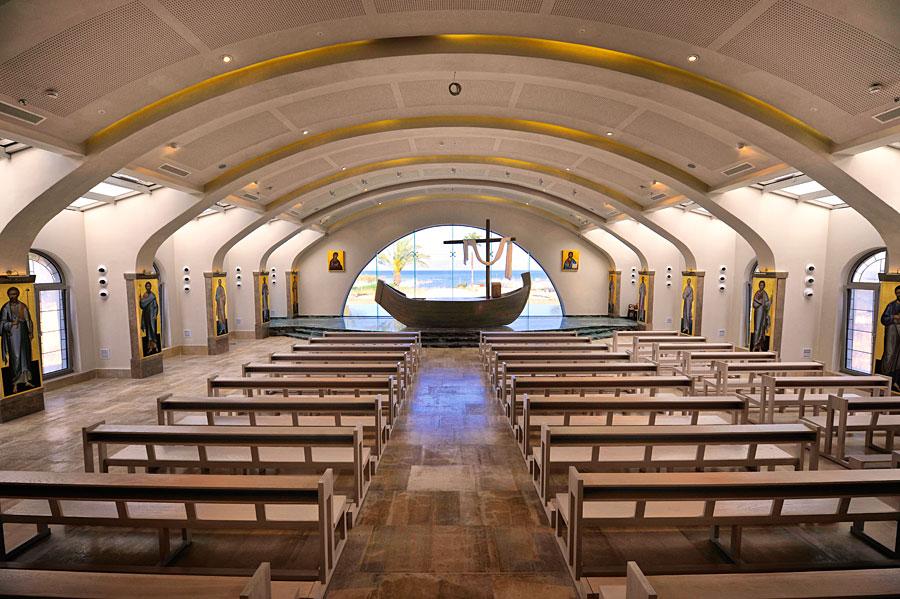 """Spirituelles Zentrum des Magdala Centers ist der Raum """"Duc In Altum"""", in dem Pilgergruppen Gottesdienste erleben können. (© Matthias Hinrichsen)"""