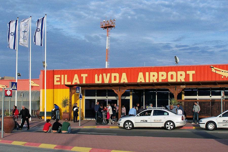 Der Flughafen Ovda im Süden Israels soll als Ausweichlösung für Ben Gurion International Airport aktiviert werden, so der Wille israelischer Reiseveranstalter. (© Henrik Sendelbach/Wikipedia CC BY-SA 3.0)