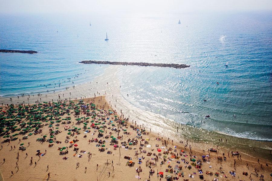 In Tel Aviv befinden sich die schönsten Strände Israels - auf 14 Kilometer Länge ist für jeden etwas dabei. (© Matthias Hinrichsen)