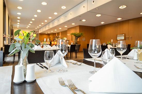 """Modern und angenehme Restaurant-Atmosphäre. (© Restaurant """"Einstein"""")"""