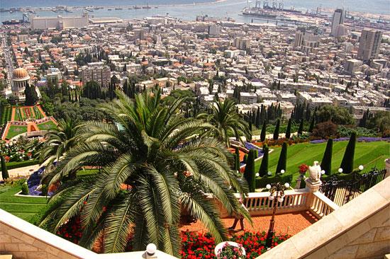 Die Bahaii-Gärten in Haifa sollten auf einer Israel-Reise ebenfalls besichtigt werden. (© Ron Almog/flickr CC BY 2.0)
