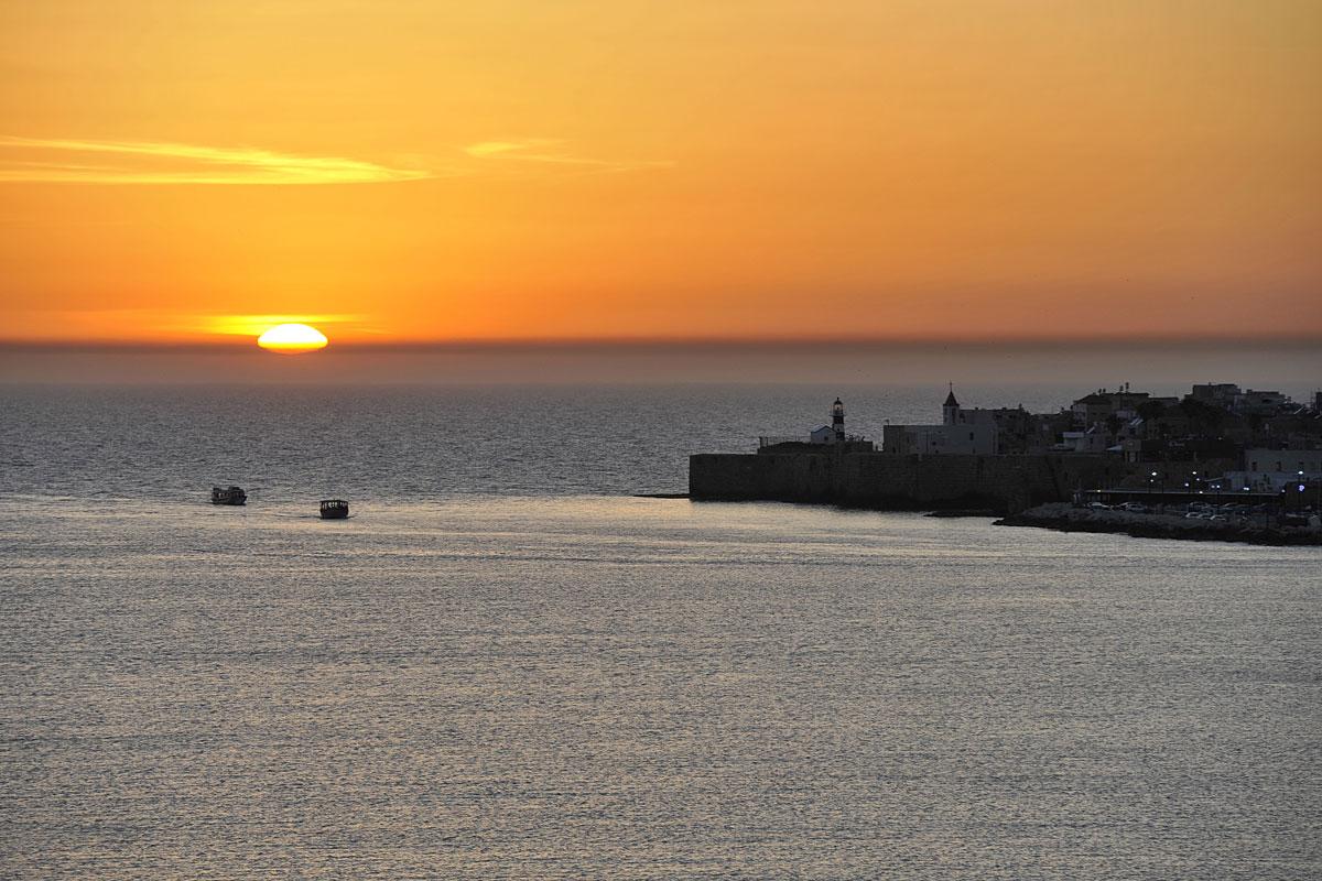 Sonnenuntergang in Akko. (© Matthias Hinrichsen)
