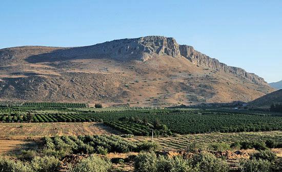 Die Arbel Klippen in der Nähe von Magdala bieten Historisches und ausgezeichnete Wandermöglichkeiten. (© Matthias Hinrichsen)
