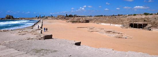 Caesarea Maritim: Gründung durch Herodes des Großen, Ort der ersten Taufe eines Heiden (Apg 10) und der Apostel Paulus war hier zwei Jahre in Gefangenschaft (Apg 23). (Foto: Matthias Hinrichsen)
