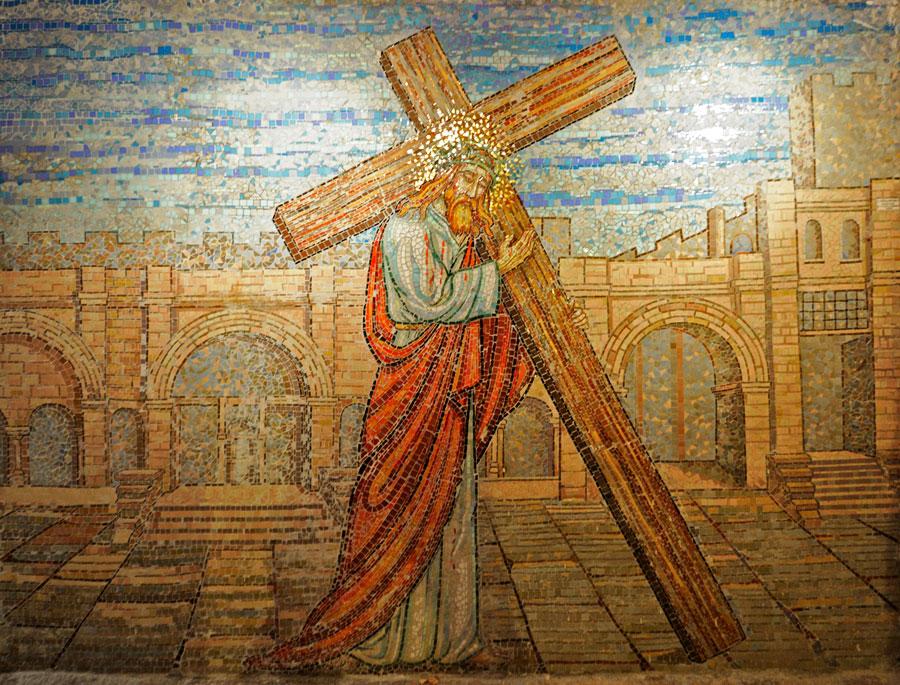 Mosaik im der Krypta. (© Matthias Hinrichsen)