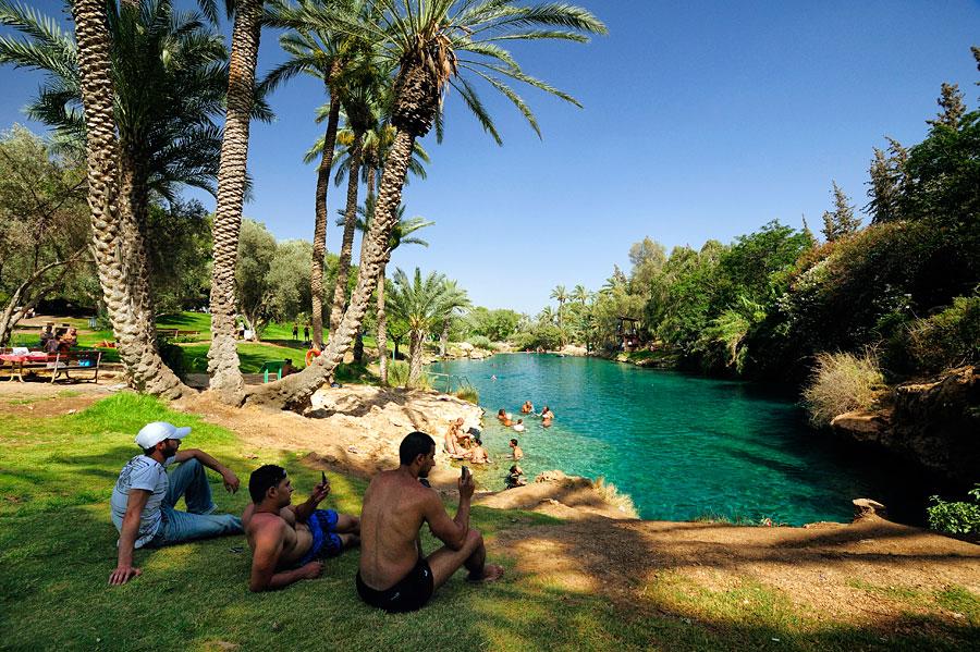Die Israelis nutzen den Gan HaShlosha Nationalpark (Sachne Park) gerne als Naherholungsgebiet - auch ganztägig mit Picknick. (© Matthias Hinrichsen)