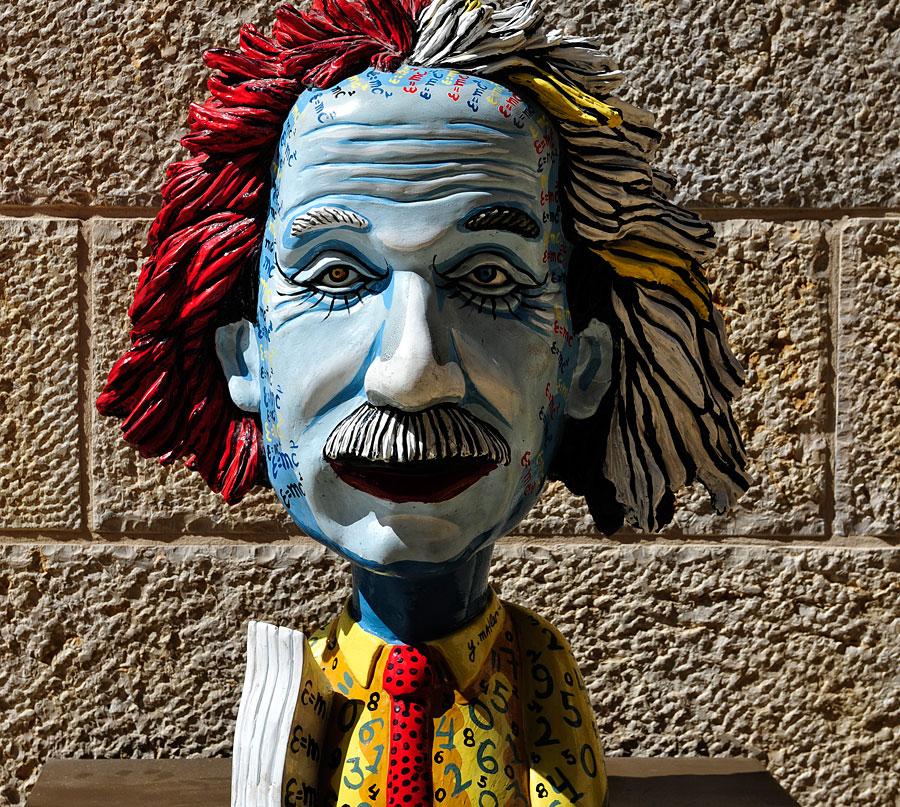 Regelmäßig stellen Künstler ihre Werke in der Jerusalemer Mamilla Mall aus. (© Matthias Hinrichsen)