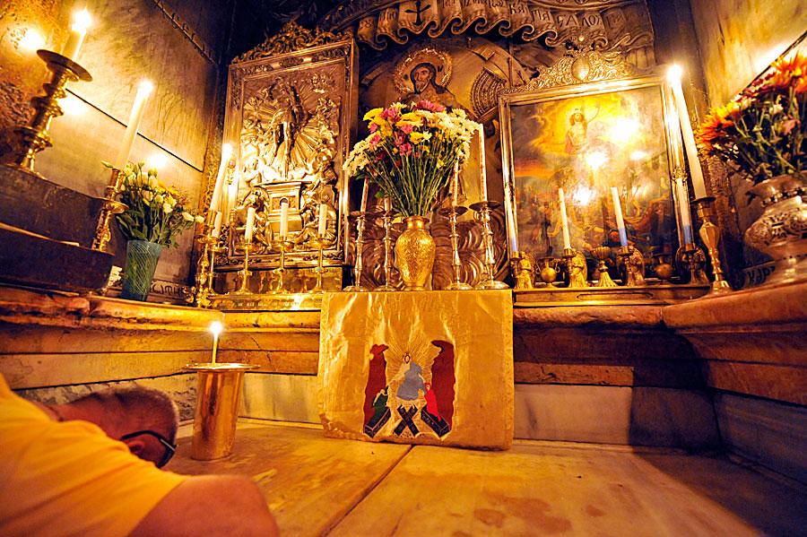 Die letzte Station der Via Dolorosa, das Christusgrab in der Grabeskirche. (© Matthias Hinrichsen)