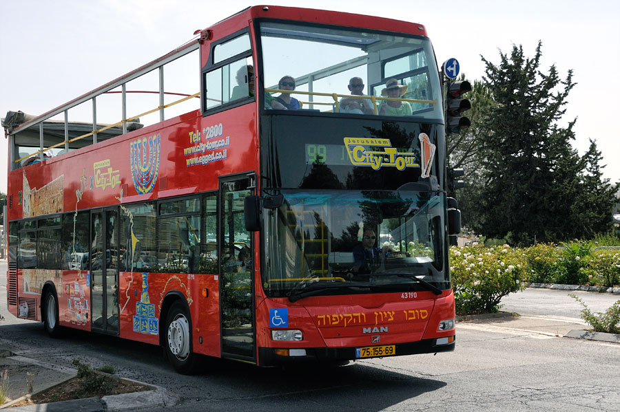 Die Linie 99 fährt alle wichtigen Orte in Jerusalem an. (Foto: Matthias Hinrichsen)