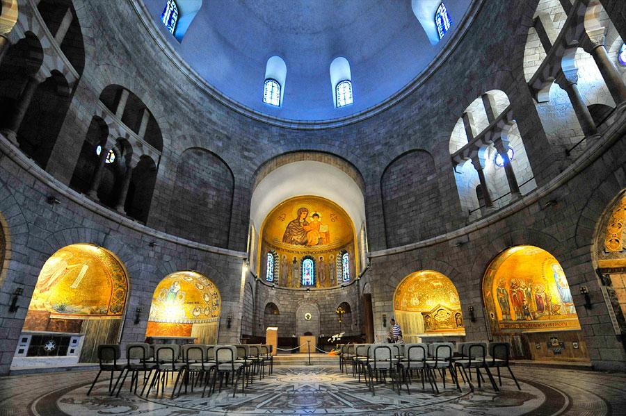 Kirchenraum der Dormitio Abtei. (© Matthias Hinrichsen)