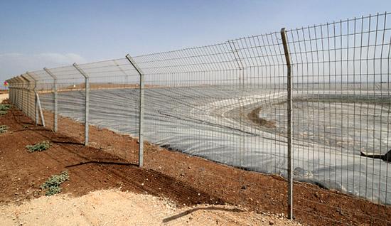 Landesweit sind viele Wasserreservoirs wie hier in der Nähe des Sees Genezareth leer, weil seit sieben Jahren nur geringe Niederschläge fallen. (Foto: Matthias Hinrichsen)