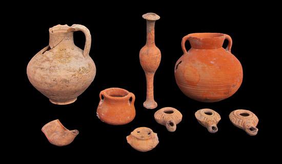 Gefundene Tongefäße, ebenfalls aus der Zeit des Zweiten Tempels. (© Israelische Altertumsbehörde)