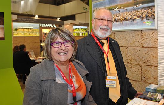 Erica Gal, Marketing-Verantwortliche für Akko (li.) und David Harari, Chef der Entwicklungsgesellschaft Akko vertraten die 4.000 Jahre alte Mittelmeerstadt mit einschlägigem Wissen. (© Matthias Hinrichsen)