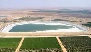 Das zum Teil gefüllte Besor Reservoir. (© JNF-KKL)