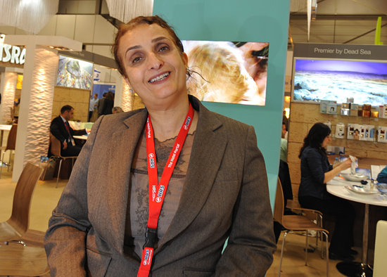 Die Besucher der ITB 2012 wurden kompetent beraten von Ofra Gazit, Sprecherin der Tourismusabteilung für das Tote Meer. (© Matthias Hinrichsen)