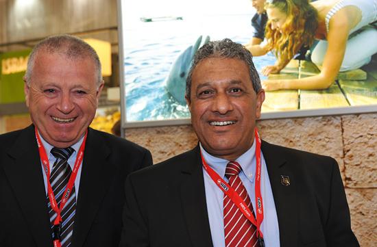Shabtai Shay, General Manager der Eilat Hotel Organsiation, und Meir Itzchak Halevi, Bürgermeister von Eilat, empfehlen Eilat auch als Top-Kultur-Reiseziel. (© Matthias Hinrichsen)