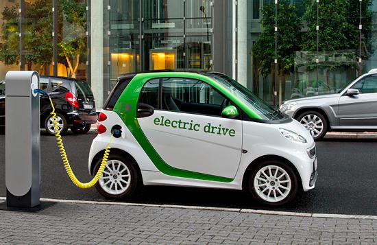 Besonders in Israel, einem innovativen Land für Elektro-Mobile, würde der Elektro-Smart gut ins Stadtbild passen. (© Daimler AG/Smart)