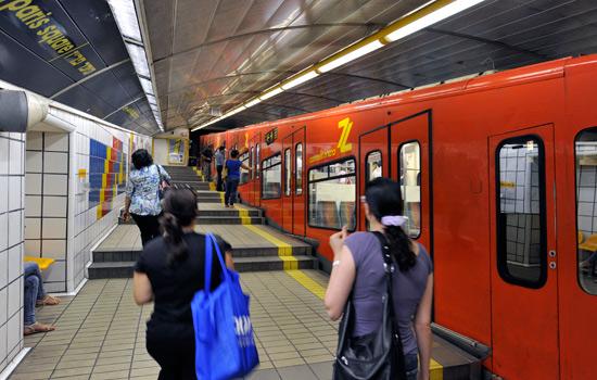 Die einzige U-Bahn Israels und die mit dem weltweit kürzesten Streckennetz finden Sie in Haifa - die Carmelit. (© Matthias Hinrichsen)