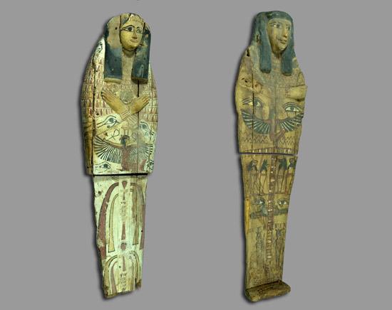 Die beiden sichergestellten Deckel von ägyptischen Sarkophagen. (© IsraelMagazin, Foto: Clara Amit, courtesy of the Israel Antiquities Authority)