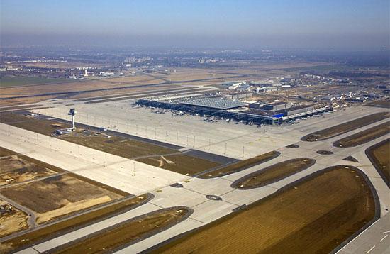 Die Inbetriebnahme des Großflughafens Berlin Brandenburg ist verschoben - Fluggäste werden weiter in alten Flughäfen abgefertigt. (© Dirk Laubner / Flughafen Berlin Brandenburg)