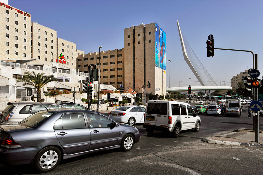 Ein Mietwagen für die Großstädte Jerusalem und Tel Aviv ist nicht zu empfehlen. (© Matthias Hinrichsen)