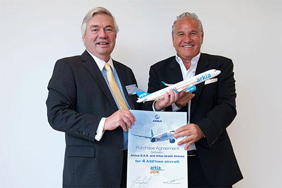 Die Kaufvereinbarung zwischen Airbus und Arkia ist perfekt. (© Airbus/H. Goussé)