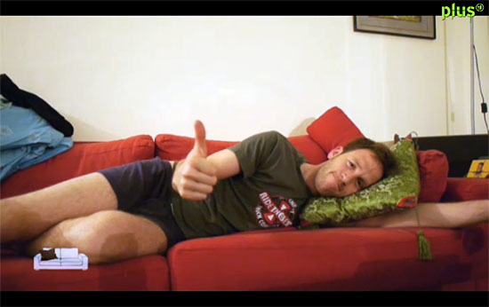 auf 3 sofas durch tel aviv zeigt interessante typen die thomas niemietz durch couchsurfing. Black Bedroom Furniture Sets. Home Design Ideas
