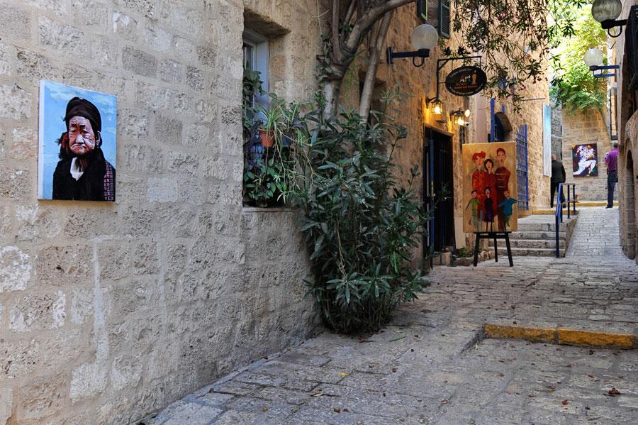 Altstadtgassen in Jaffa werden gerne von Künstlern bewohnt. (© Matthias Hinrichsen)