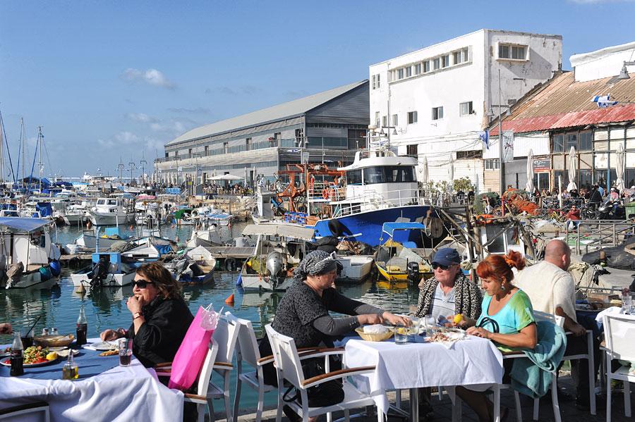 Fischrestaurant am Hafen von Jaffa. (© Matthias Hinrichsen)