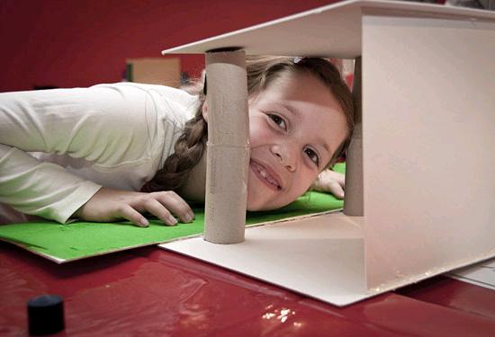 Das ver-rückte Haus. Daniel Libeskind für Kinder von 6-12 Jahren (© Jüdisches Museum Berlin, Foto: Nadja Rentzsch)