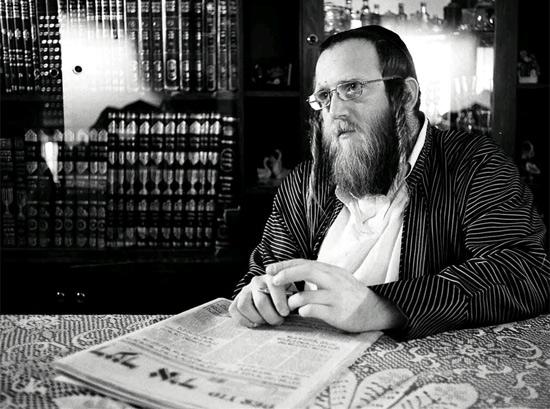 Shmuel-Haim Pappenheim kämpft dagegen, dass die Haredim in Israel zur Wahl gehen.  (© SWR)