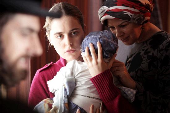 """Der Film """"An ihrer Stelle"""" läuft ab 11. Juli 2013 in einigen deutschen Kinos. (© NFP Filmwelt)"""