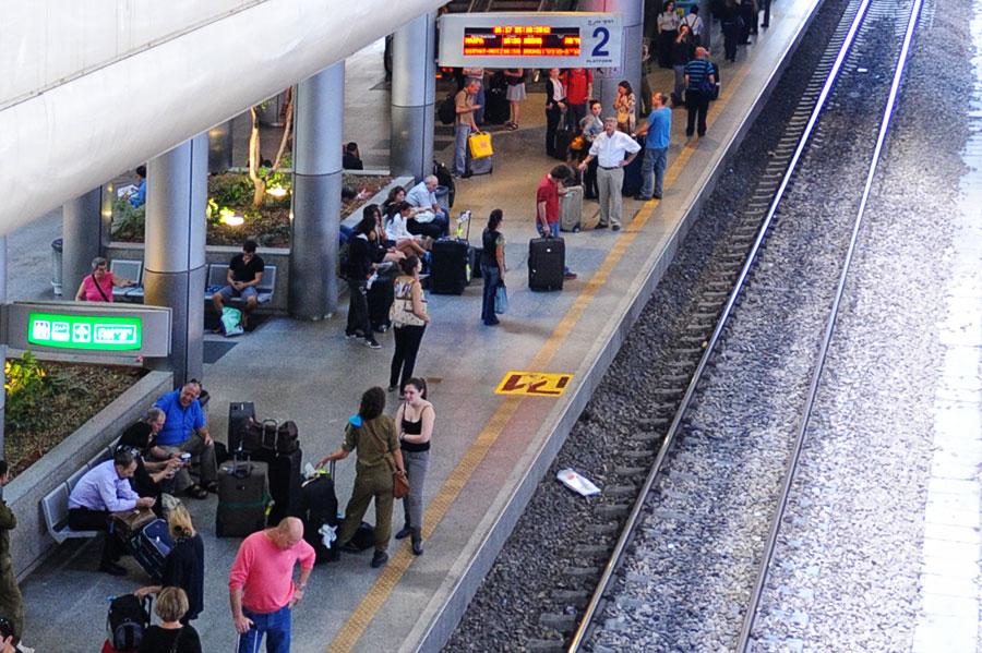 Bahnhof am Flughafen Ben Gurion Airport. (© Matthias Hinrichsen)