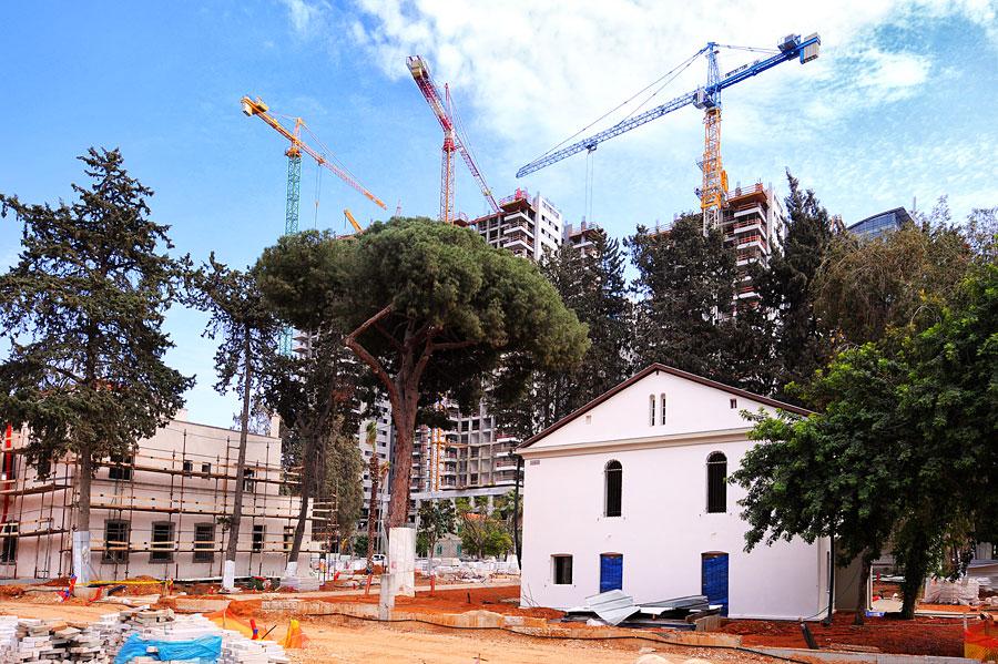 Die alte Templersiedlung Sarona in Tel Aviv wird wieder aufgebaut. (© Matthias Hinrichsen)