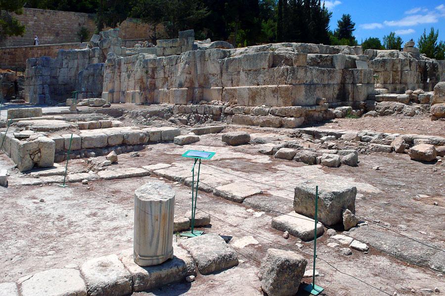 Überreste einer ehemaligen Siedlung, die möglicherweise das biblische Emmaus war. (© Matthias Hinrichsen)