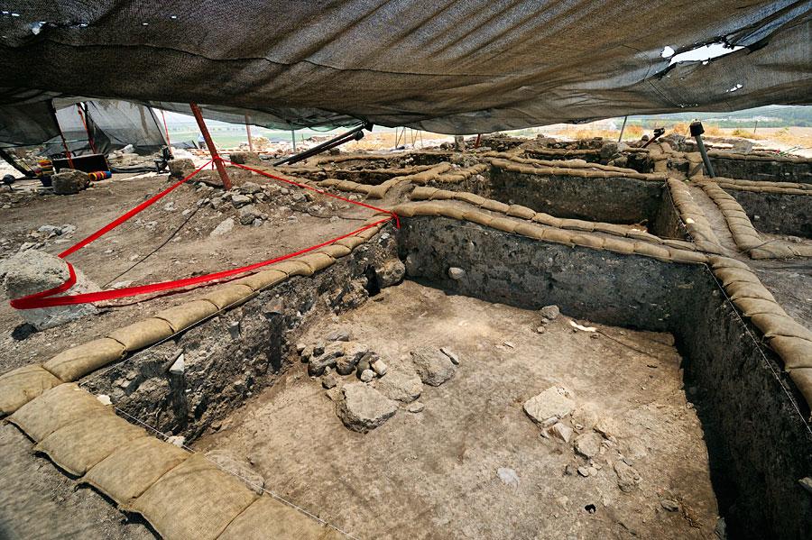 In Megiddo finden Ausgrabungen über einen Zeitraum von mehreren Jahren statt. (© Matthias Hinrichsen)