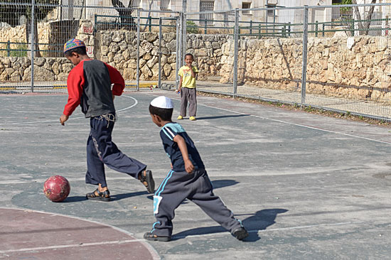 Kinder jüdischer Immigranten aus Äthiopien. (© Matthias Hinrichsen)