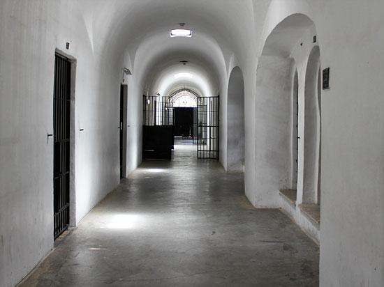 Flur direkt hinter dem Eingangsbereich