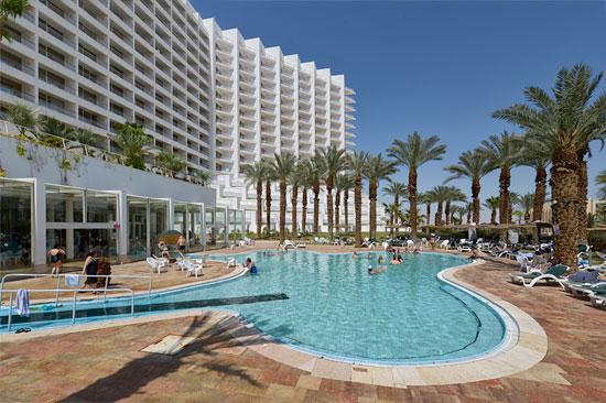 Hotelübernachtungen stiegen in Israel im Vergleich zum letzten Jahr zwar wieder an, blieben aber noch immer rückläufig im Vergleich zum sehr guten Jahr 2013. Auch zum Toten Meer kamen weniger Hotelgäste als vor zwei Jahren. (© Matthias Hinrichsen)
