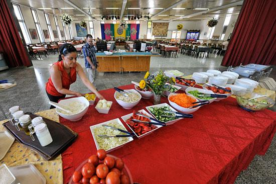 Das Essen wird frisch zubereitet, die Zutaten sind aus der Region. (© Matthias Hinrichsen)
