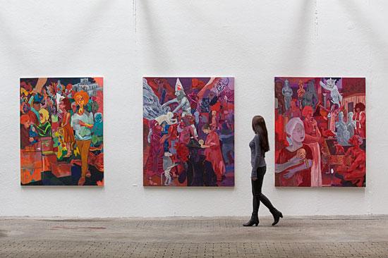 Gemälde von Stav Yosha aus Israel auf der NordArt in Büdelsdorf. (© NordArt)